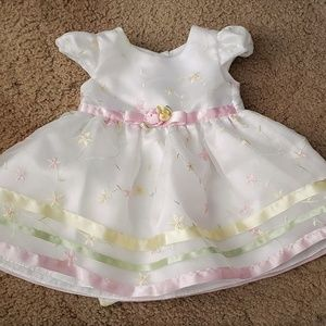 Adorable White Infant Dress Sz. 12 Mos.